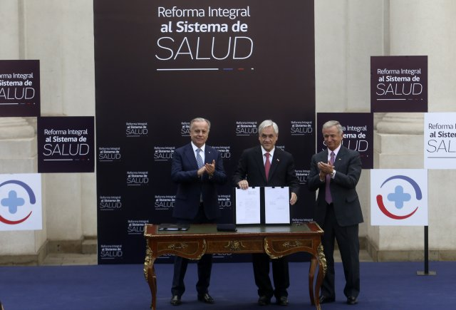 Sebastian Pi–era presenta la reforma integral al sistema de salud